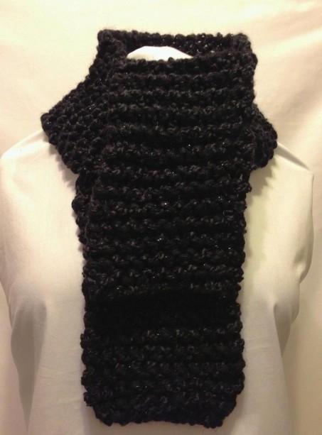 0121chunkyblackscarf.JPG